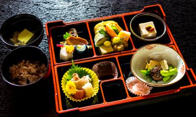 ¥3,000 lunch box
